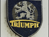 Logo der Triumph-Fahrrad-Werke in Nürnberg